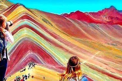 """Perú: Turistas podrán sobrevolar en helicóptero la """"Montaña de los Siete colores"""""""