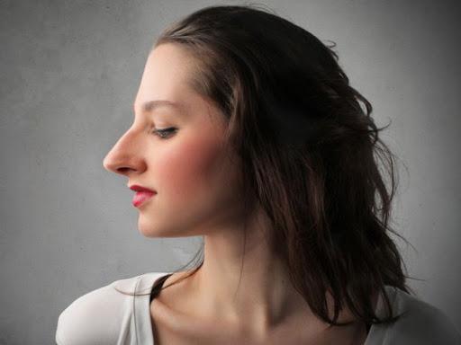¿Sabes por qué la nariz y las orejas crecen durante toda la vida?