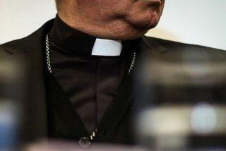 """Una víctima de los Legionarios de Cristo relata cómo un sacerdote abusó de ella: """"Empezó con besos en la mejilla que cada vez nos daba más cerca de la boca"""""""