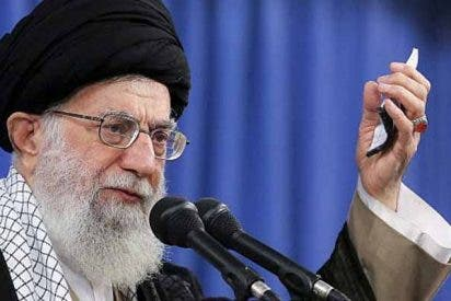"""El líder supremo iraní no se da por satisfecho con el bombardeo: """"Es una bofetada a EEUU, pero no es suficiente"""""""