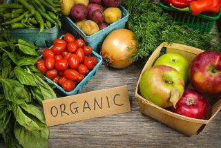 Tomar alimentos naturales, ecológicos y libres de toxinas