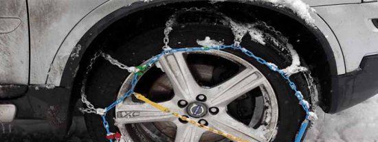 La borrasca Gloria deja su primer muerto: un hombre arrollado cuando instalaba las cadenas a su coche