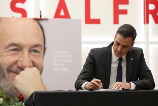 Rubalcaba se revuelve en su tumba y 'resucita' este vídeo para mayor bochorno de Pedro Sánchez