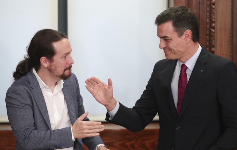 Gobierno de coalición: Pedro Sánchez pisotea a Pablo Iglesias con tres vicepresidencias más y en Podemos se muerden la lengua