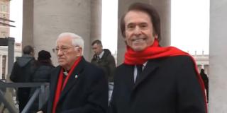 """Raphael y su visita al Papa: """"Le he traído tangos cantados por mí"""""""