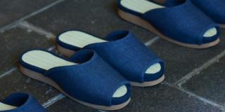 Nissan inventa unas zapatillas que se guardan solas en el armario