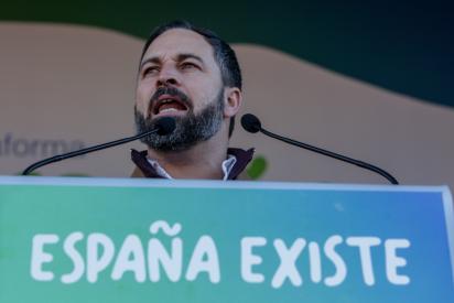"""VOX le da una lección magistral a la progresía española: """"Al colegio se va a aprender matemáticas, no juegos eróticos"""""""