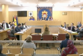 """La Asamblea de Ceuta salta por los aires con brutales insultos entre dos portavoces: """"¡Cobarde, sinvergüenza, payaso!"""""""