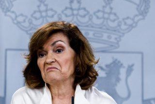 """El vergonzoso aplauso del PSOE cuando Carmen Calvo admite que las instituciones del Estado """"carecen de credibilidad"""""""