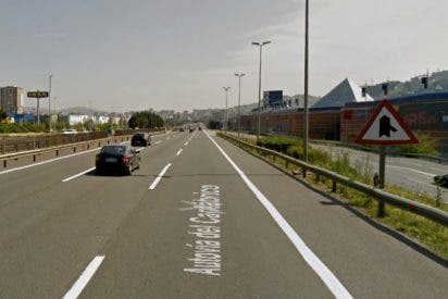 ¿Te puede multar la Guardia Civil si te pilla conduciendo por el carril central de la autovía?