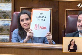 Inés Arrimadas se mofa de las acusaciones de Adriana Lastra con un gesto memorable