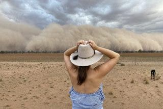 Australia: La ola gigante de polvo que se 'traga' a ciudades enteras