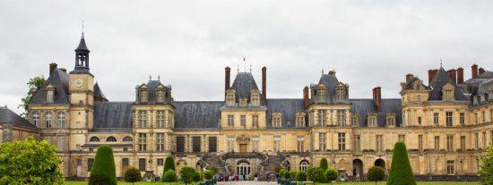 Los Gendarmes franceses atrapan a 5 maleantes españoles y un chino cuando intentaban robar en el Palacio de Fontainebleau