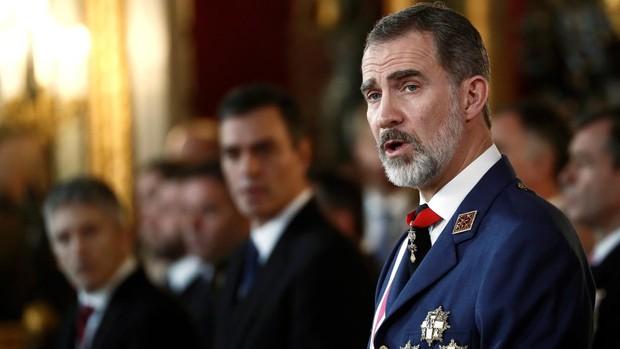 Sánchez manda a Felipe VI a la 'boca del lobo': el Rey viajará a Bolivia custodiado por Iglesias