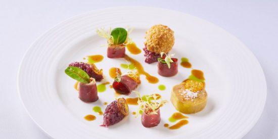 Presentar los platos de forma atractiva y con color