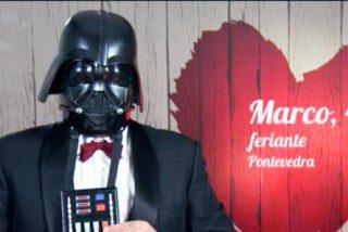 Darth Wader acude al restaurante de la citas a ciegas de 'First Dates' a buscar su media naranja y le dan calabazas