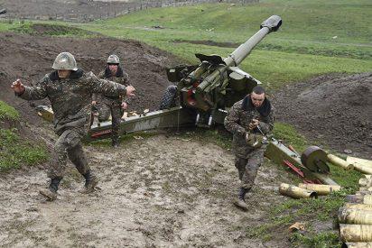 """Armenia acusa a Azerbaiyán de atacar zonas civiles para ocupar una ciudad """"clave"""""""