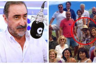 """Carlos Herrera recuerda las paellas de Trapero con Rahola y el fugado Puigdemont: """"Compartía poder con lo más florido del separatismo"""""""