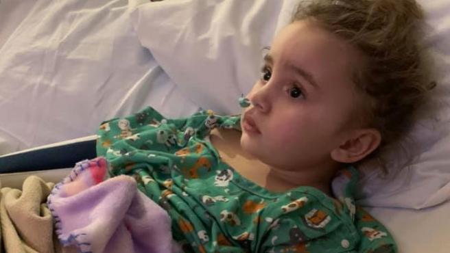 Una niña de 4 años no vacunada se queda ciega tras contraer la gripe