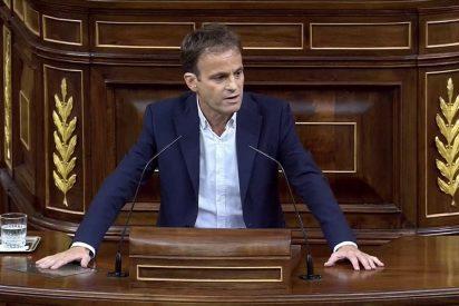 """Jaume Asens pide """"dejar atrás la España vieja, carcomida y hueca del cardenal Cañizares"""""""