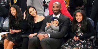 Kobe Bryant, su esposa Vanessa y tres de sus cuatro hijas.