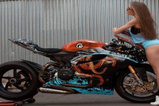 Chistes: el de los viejecitos en Año Nuevo y el de la Jessy y la moto