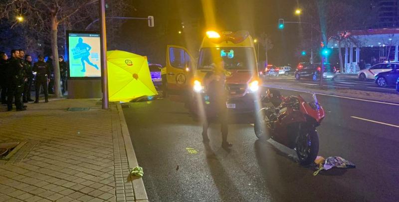 La niña de 3 años que murió en Madrid, atropellada por una moto, cruzaba en rojo el semáforo acompañada de su madre