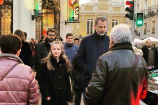 Felipe VI y la princesa Leonor: ¿Ibas paseando por Madrid y te has encontrado con el Rey y su hija?