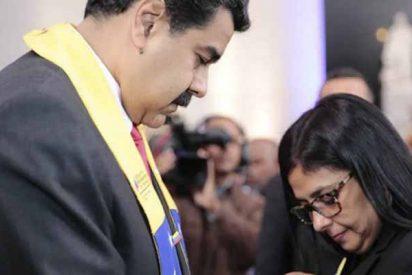 Ábalos y la dictadura chavista: Delcy Rodríguez pasó a la sala VIP del aeropuerto sin mostrar el pasaporte a la policía