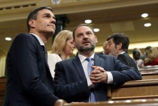 'Tiembla' la Moncloa con la nueva versión de Ábalos: el ministro admite ahora que estuvo en la sala VIP de Barajas