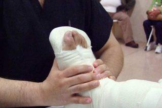 Un turismo desbocado atropella a una pareja y sus dos hijos, de 20 meses y 4 años, en una acera de Madrid