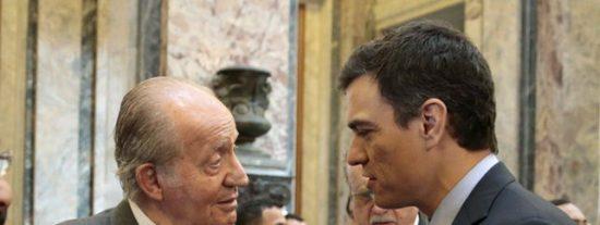 Don Juan Carlos responde a las vejaciones de Gobierno y Podemos al Rey Felipe y hunde internacionalmente a Sánchez