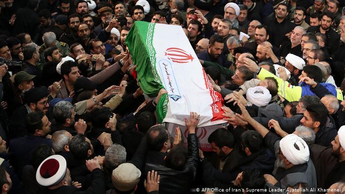 Irán, máxima tensión: mueren 35 personas por una estampida en el funeral del general Soleimani