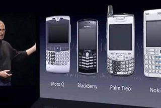 Steve Jobs en estado puro: así humilló a la competencia presentando el primer iPhone (un día como hoy)