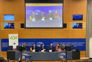 """Santiago Abascal: """"VOX denuncia al Parlamento Europeo por reconocer a los golpistas a Puigdemont y Comín"""""""