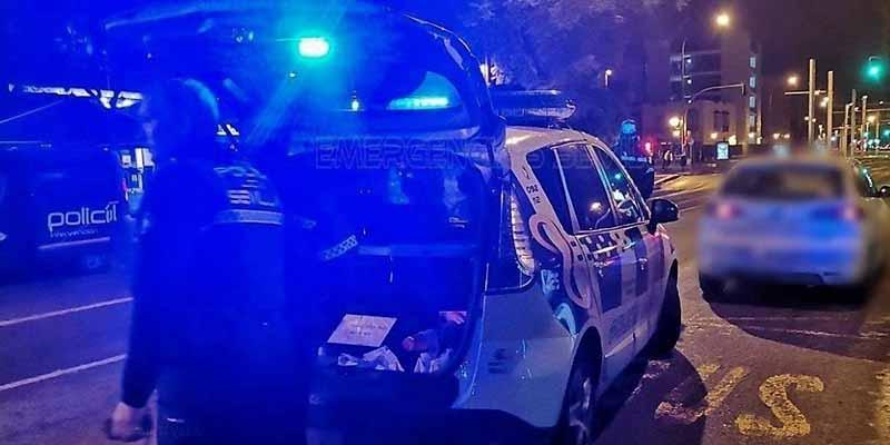 Violación en Sevilla: la sorprende en el portal, le corta las manos y la retiene por tres horas antes de la agresión