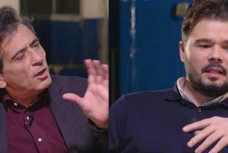 """Arcadi Espada acepta la invitación de Gabriel Rufián y se despacha a gusto contra ERC: """"VOX no es golpista pero tu partido sí"""""""