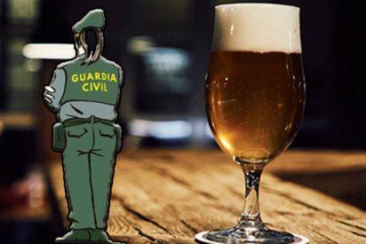 Llamada muy loca a la Guardia Civil del señor que se queda dormido en el baño de un bar y se despierta, encerrado, al día siguiente
