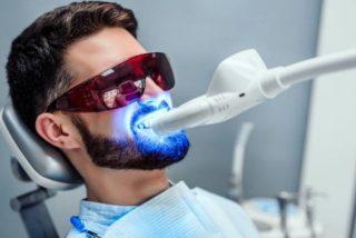 Un británico fallece tras blanquearse los dientes en Turquía