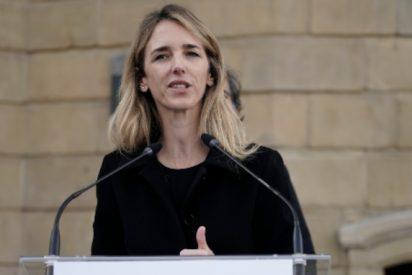 Álvarez de Toledo enciende las alarmas en Moncloa: se chotea del PSOE y llama a tomar las calles contra Sánchez