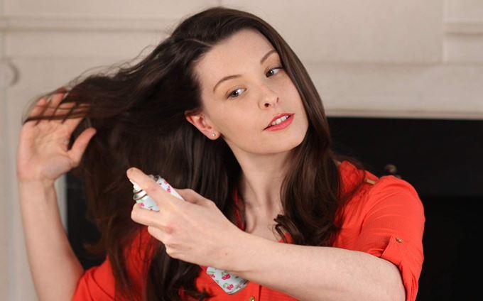 formas de disimular el pelo sucio