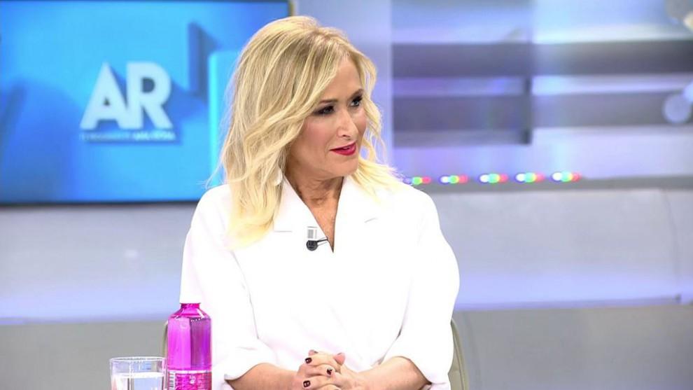 Cristina Cifuentes vacila a las redes con su participación en 'Supervivientes'