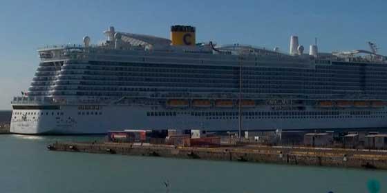 Coronavirus: Seis mil pasajeros atrapados en un crucero en el puerto de Civitavecchia (Italia)