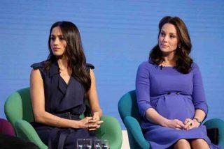 Kate Middleton 'imita' a Meghan Markle con el mismo modelito en pleno conflicto real
