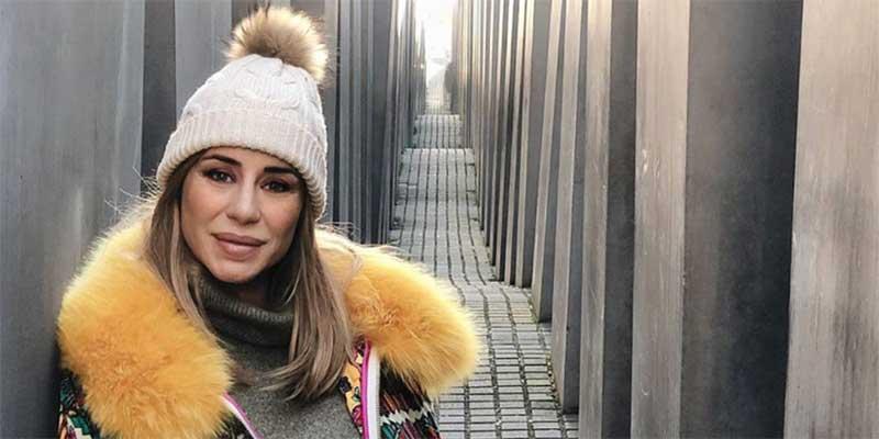 """Elena Tablada da para lo que da...y es esto: anuncia su embarazo en el monumento al Holocausto y la etiqueta """"bebé en el horno"""""""