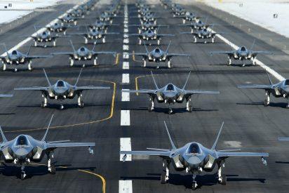 EEUU muestra su poderío militar a Irán: 52 cazas F-35 listos para atacar