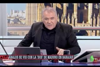 Guaidó en España: Los apuros de Ferreras para explicar su apagón informativo con el drama de Venezuela