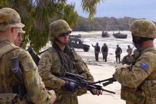 Australia: la Marina lleva 3.000 litros de cerveza a una ciudad desabastecida por los incendios