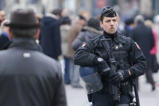 París: policía abate a un hombre tras apuñalar a varios transeúntes