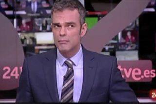 """El Burladero / Un presentador de TVE se 'cortocircuita' con la información que le pasaban sus compañeros por el pinganillo: """"Lo tengo que procesar"""""""